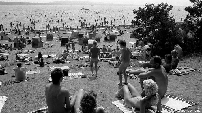 Nudist in Berlin II 8.7.2020.jpg
