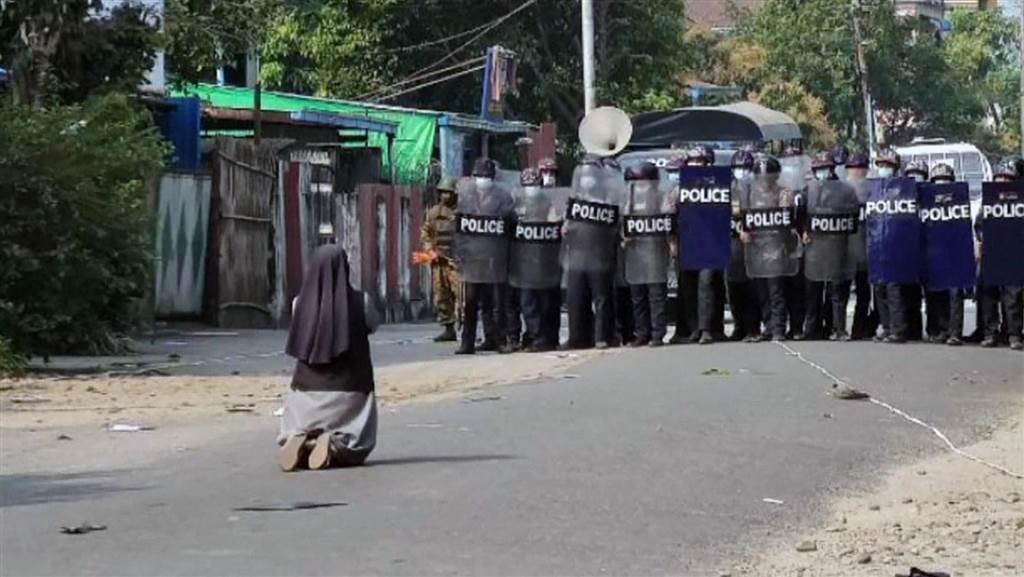Myanmar nun II 3.30.2021.jpg