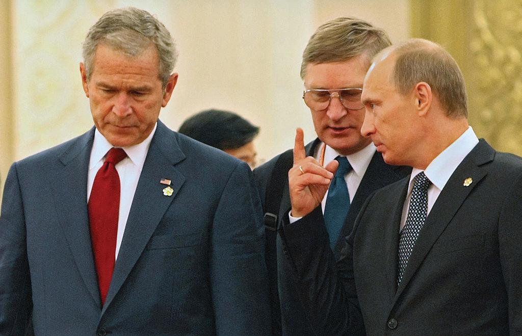 Putin and Bush I 4.27.2021.jpg